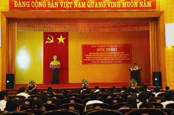 ANH TOAN CANH HOI NGHI.jpg